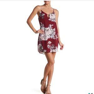 SOCIALITE– V-Neck Metal Bar Floral Mini Dress NWOT